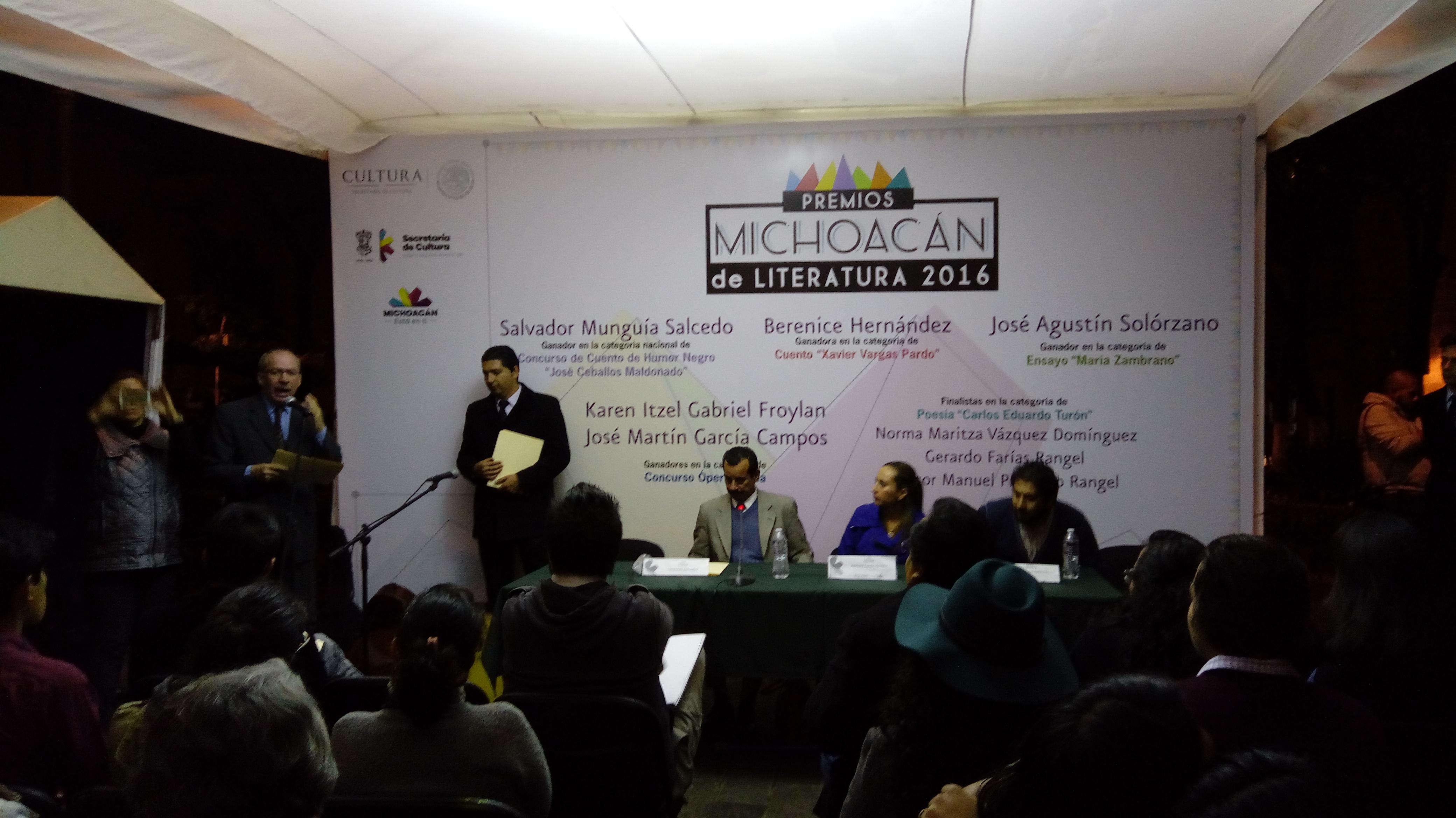 Fueron entregados los Premios de Literatura Michoacán 2016